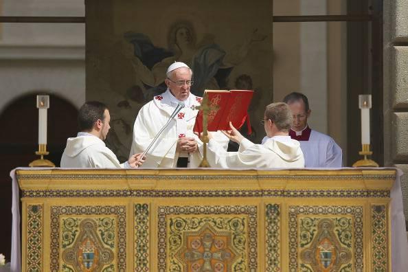 """Appello del Papa per la pace. """"Violenza e fede incompatibili"""""""