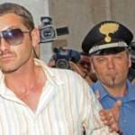 Salvatore Parolisi scortato dalla Polizia