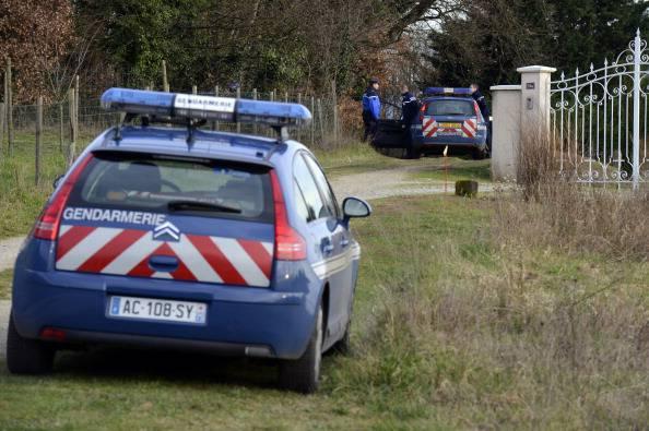 Francia, ragazzo di 13 anni impiccato in casa: trovato con mani e piedi legati