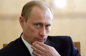 Compleanno Putin: atteso l'arrivo di Berlusconi nella residenza privata a San Pietroburgo