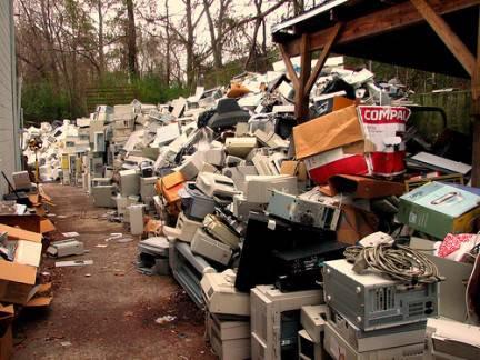 Raee, rapporto Ispra: aumentano i rifiuti di apparecchiature elettriche ed elettroniche