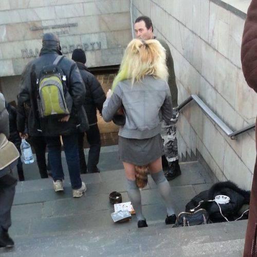 Ragazzi escono da scuola… Qual è l'errore??? GUARDA FOTO!!!