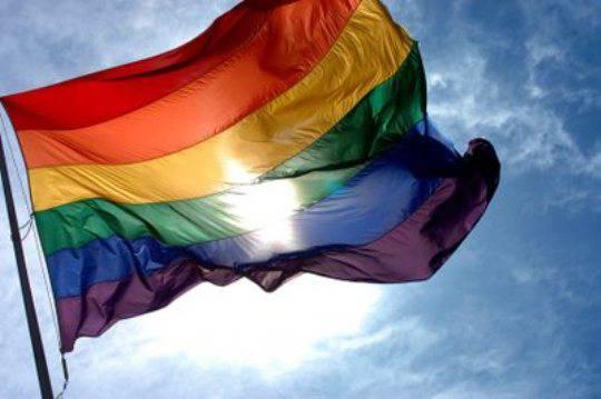 Diritti gay: sentenza storica della Cassazione, insorge il mondo cattolico