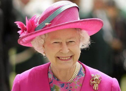 La regina Elisabetta dal Papa e da Napolitano ad aprile
