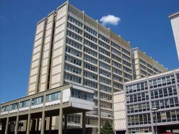 La sede centrale dell'Inps (autore Blackcat, Wikicommons licenza CC-BY-SA-3.0)
