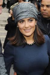 SALMA HAYEK / Paris Fashion Week, l'attrice alla sfilata dell'amica Stella McCartney