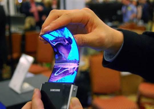 Samsung: nel 2013 saranno commercializzati i telefoni pieghevoli