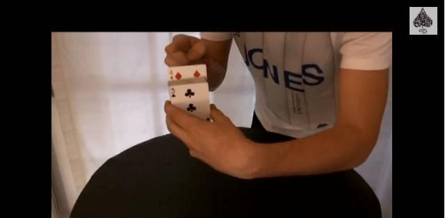 TUTORIAL: trucco levitazione carta dello spettatore dal mazzo – GUARDA IL VIDEO