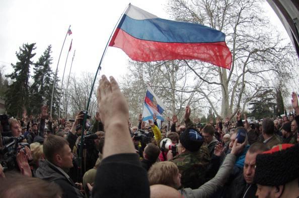 Ucraina: ex presidente fuggito in Russia. Esplode la rivolta in Crimea