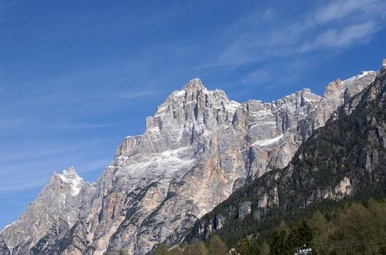 Cortina d'Ampezzo: crolla parete rocciosa del Monte Sorapiss