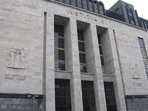 """Intervista dell'Ansa ad esperto: """"Ecco le ragioni per cui nel 'caso Ruby' è competente il Tribunale di Milano"""""""