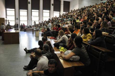 Sesso in cambio di voti, professore universitario arrestato