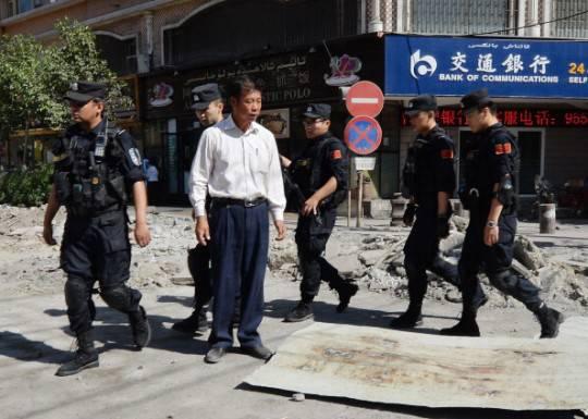 Cina, Xinjiang: continuano violenze contro minoranza etnica islamica