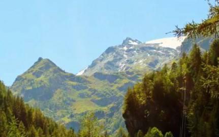 Montagna (screen shot youtube)