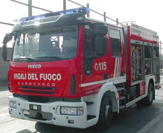 Roma: 81enne gelosa del compagno di 70 dà fuoco al suo motocarro Ape