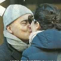 Luca Zingaretti e Luisa Ranieri: Shopping da innamorati