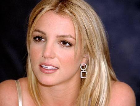 """Britney Spears: a settembre in arrivo il suo nuovo profumo, """"Radiance"""""""