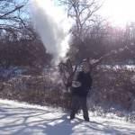 Freddo record negli Usa: l'acqua bollente diventa neve (guarda il video)