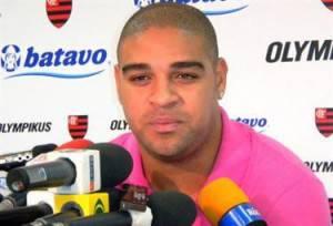 Adriano - torna in Brasile e lascia la Roma