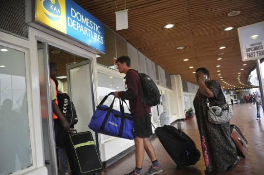 Aeroporto Nairobi : Aeroporto nairobi passeggeri direttanews