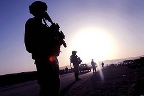 GUERRA IN AFGHANISTAN / Karzai ammette di ricevere una 'tangente' mensile dall'Iran