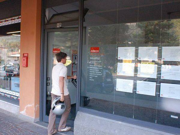 Indagine Istat: in Italia un giovane su cinque non studia né lavora
