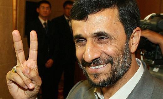 IRAN / Ahmadinejad, tra dittatura e repressione. Ma l'Onda Verde non si arrende