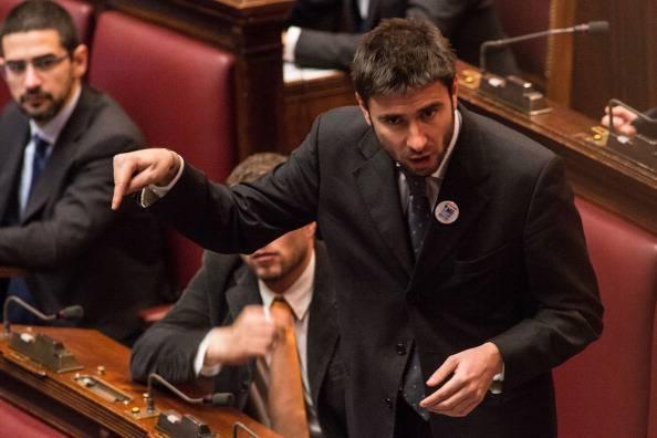 """Di Battista: """"Italia schiava del nazismo di Germania e Ue"""""""