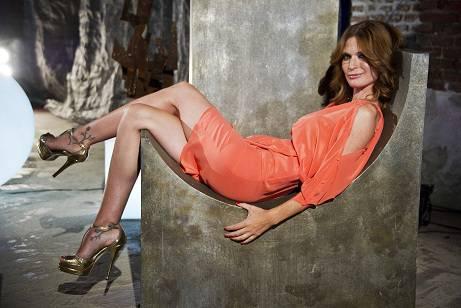 """Jane Alexander, intervista esclusiva all'attrice e conduttrice di 'Mistero': """"Mi piacerebbe diventare amica di Sandra Bullock"""""""