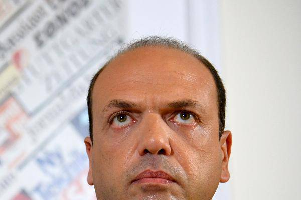 """Alfano risponde a Ue su Frontex: Intervento dei paesi membri, """"no ad inaccettabile scaricabarile"""""""