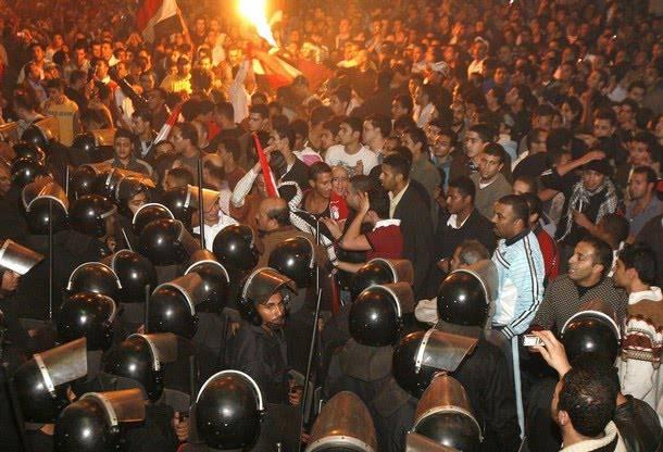 Scontri in Algeria: bilanci contrastanti sulle dimostrazioni di ieri