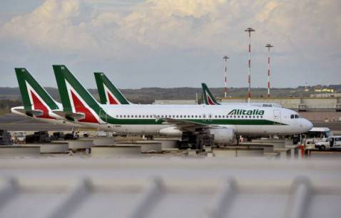 Aerei Alitalia (ANDREAS SOLARO/AFP/Getty Images)