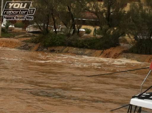 Maltempo: crolla un ponte nel grossetano, tre morti