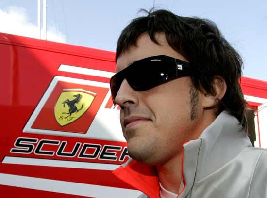 """FORMULA UNO / Alonso, il pilota individua la rivale della Ferrari per la pole a Monza: """"La McLaren è favorita"""""""