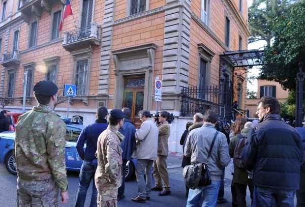 Pacchi bomba a Roma: falsi allarmi alle ambasciate di Messico, Austria e Bulgaria