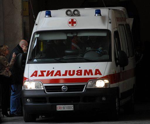 INCIDENTE DOMESTICO / Frosinone, bambino di 2 anni cade dal quinto piano: è ferito
