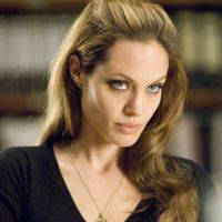 "Angelina Jolie: ""Non riesco a resistere a Raoul Bova"""