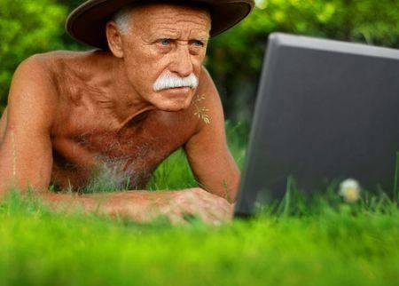 L'utilizzo del computer in età avanzata, un aiuto per il cervello