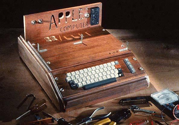 Il primo computer della Apple venduto all'asta per 156mila euro