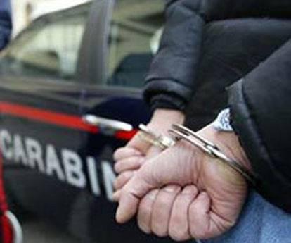 Palermo, arrestati i quattro con maschera da strega