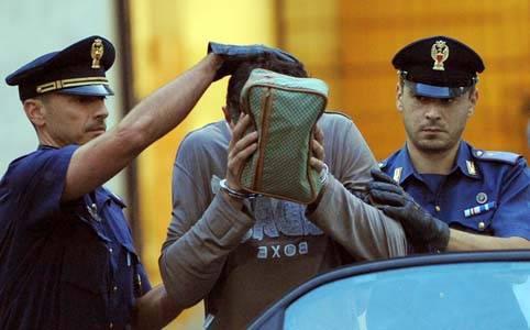 STUPRATA DA BRANCO / Afragola, arrestato il sesto colpevole