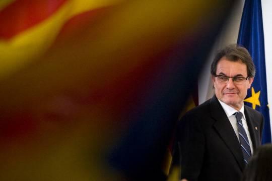 Elezioni in Catalogna: arretrano gli indipendentisti di Artur Mas