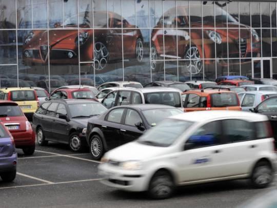 Crollo del mercato dell'auto in Italia nel 2012: -19,87%