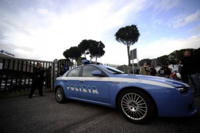 Un'auto della polizia (Foto: FILIPPO MONTEFORTE/AFP/Getty Images)