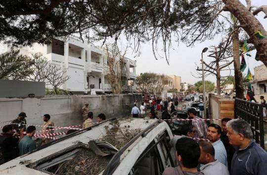 Libia: attacco all'ambasciata francese di Tripoli