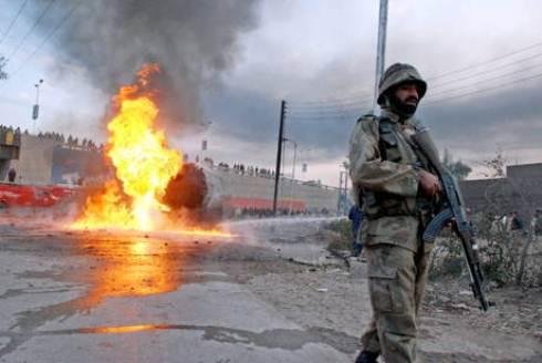 Pakistan: attacco kamikaze a Doaba causa 5 morti e 25 feriti