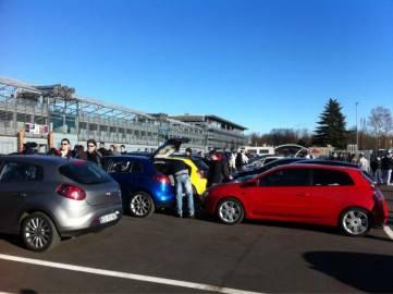 autodromo monza fiat 361x270 Fiat Punto e Fiat Bravo si sfidano a Monza: a tutto gas per lo speed day (fotogallery)