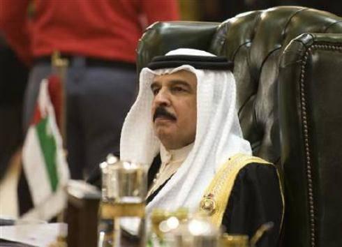 """Rivolta Bahrain: re Hamad punta l'indice contro l'Iran: """"Ha fomentato le sommosse degli sciiti"""""""