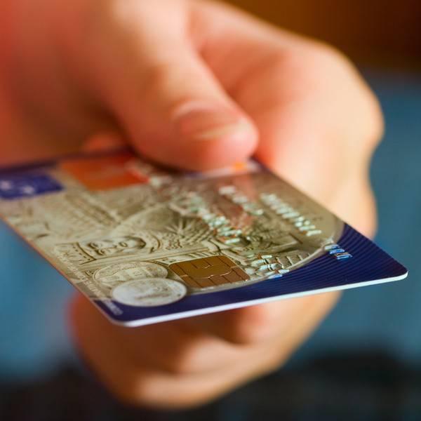 Dal 2012 nei negozi americani si potrà pagare con Paypal