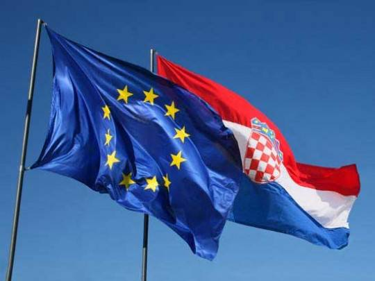 Croazia, un passo avanti verso l'Ue: al referendum sull'adesione vince il sì